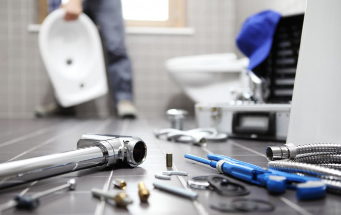 Tips On How to Check the Plumbing Before Moving into a New Home